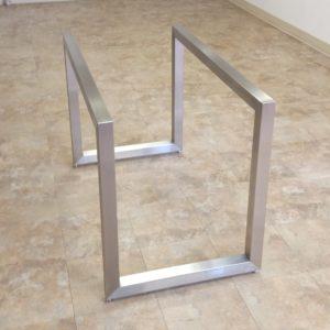 podstolya dlya stolov iz metalla 18