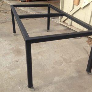 podstolya dlya stolov iz metalla 8