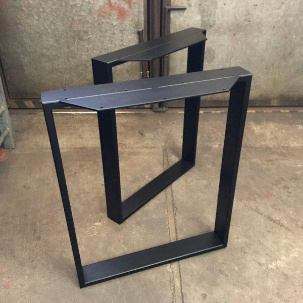 Железное подстолье квадратное PP07