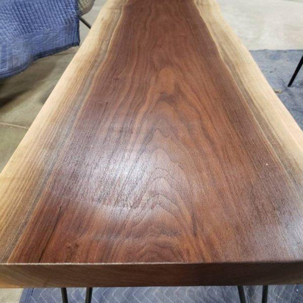 55-дюймовый живой край орех журнальный столик