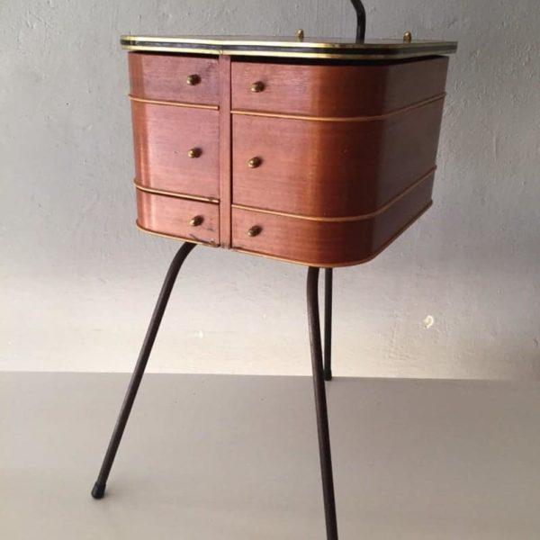 Датский дизайн очень редкая швейная стол - штатив металлических высокие ножки - металлическая ручка - 6 отделение - гостиная кабинета - сделано в 1952 году
