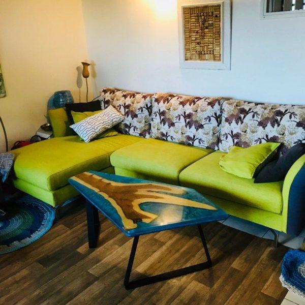 эпоксидная смола стол, цвет Blue Ocean, индийский палисандр. Ручная работа, декоративное, оставляя место, журнальный столик, искусство, один из вида, спасенные древесины,