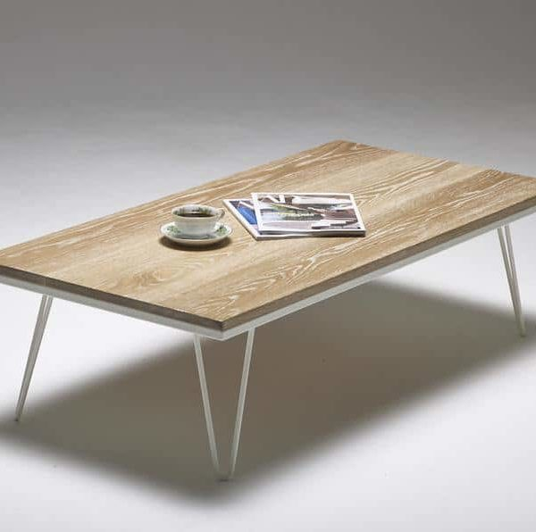 Журнальный столик на шпильках