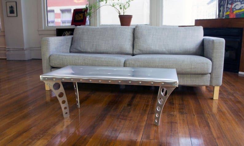 JetSet Журнальный столик + алюминий   Авиатор Вдохновленный Журнальный столик Metal Urban Industrial Современная дизайнерская мебель Silver Квартира Мебель