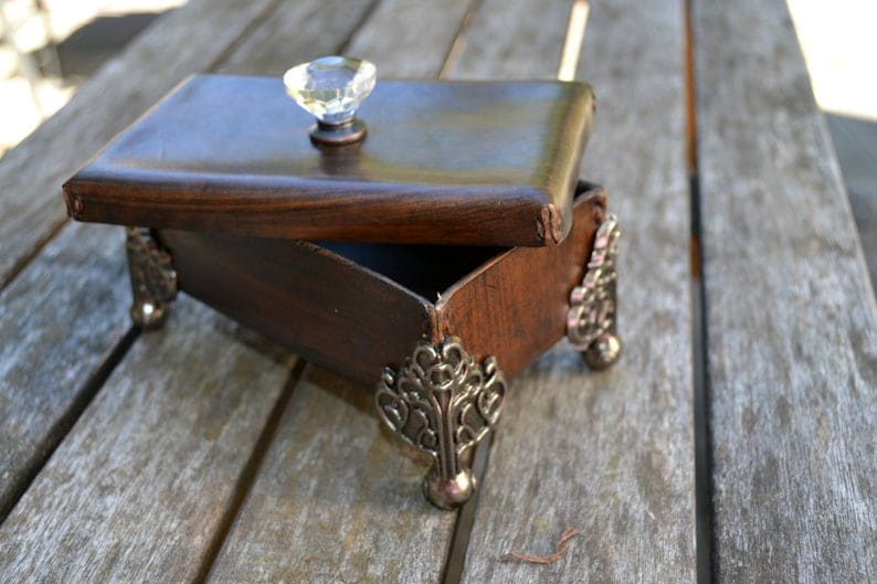 Кожаный коробка с металлическими ножками и ручки ручки - Ручной сшиты