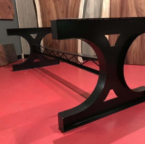 Металлическая ножка стола.Стальной промышленный обеденный стол.Металлические ножки стола, усиленная стальная основа.