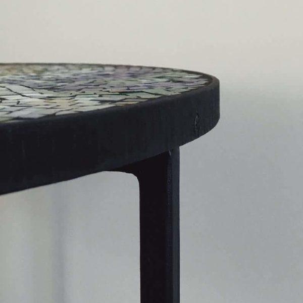 Патио мебель журнальный столик с абстрактным мозаичным рисунком, мозаика тумбочка, журнальный столик, круглый столик, металлическое основание стола, тумбочка