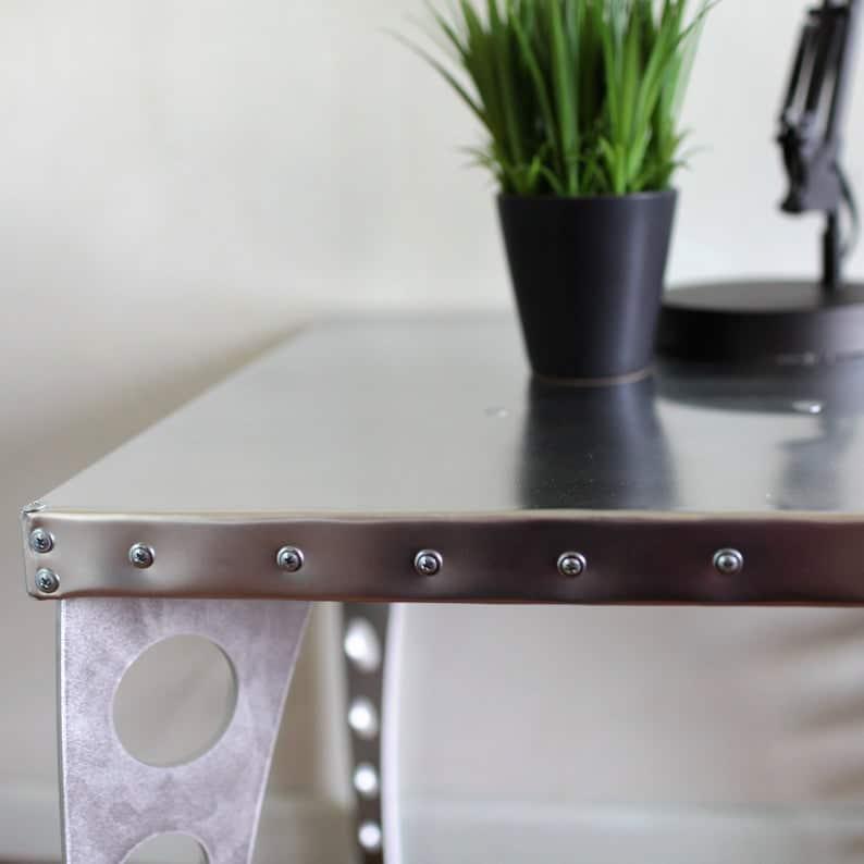 Приставной стол JetSet в Brushed Finish Алюминий