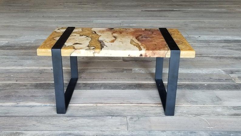 Willow Slab Журнальный столик с Любимых Эпоксидные завихрения и металлические ножки